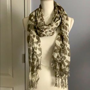 Beautiful Taupe & White Scarf